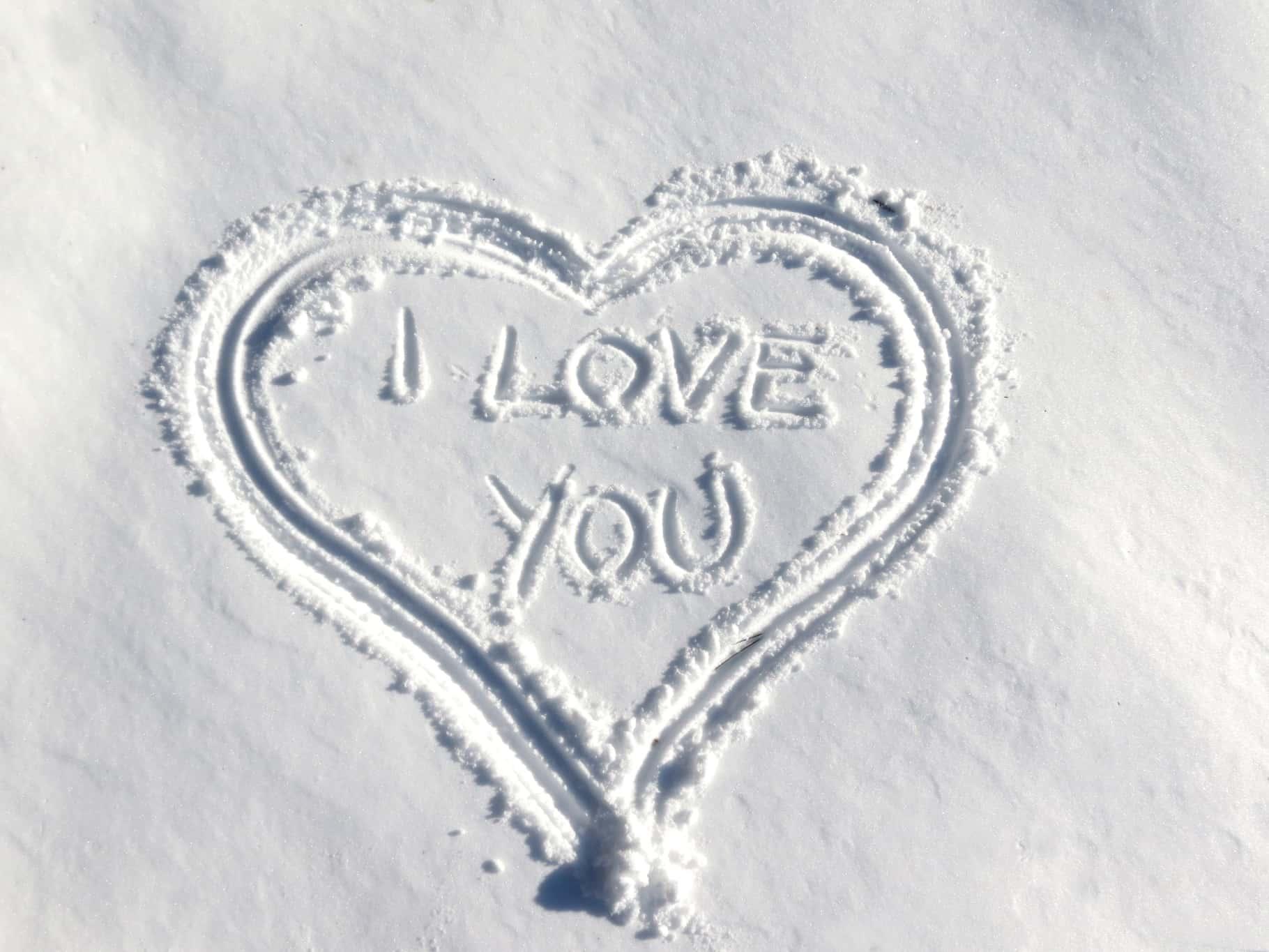 Vacances couple à la neige