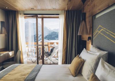 Chambre-hotel-alparena-vue-balcon-190205_189